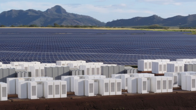 tesla-kauai-solar-energy-generation-and-storage-project-photo-tesla_100625574_m